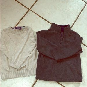 2T sweaters in perfect condition.